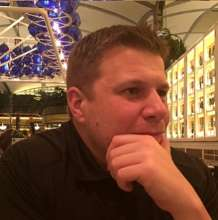 John.V's avatar